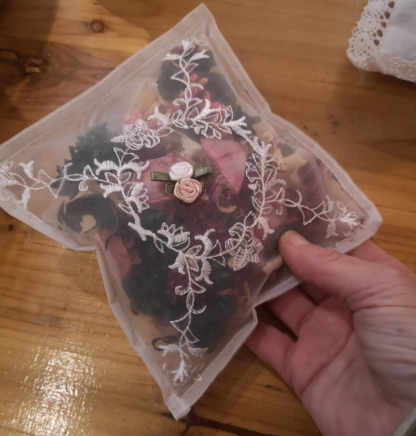 Rose pot pourri clear bag.jpg